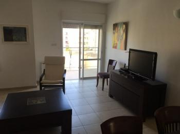 1br - Beautiful APT in Abu Tor, Elevator, Private Parking and Furnished!