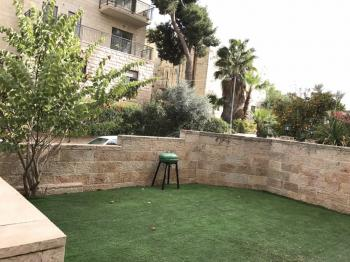 3br - Beautiful Garden APT in Talbieh, Elevator, Private Parking and Furnish