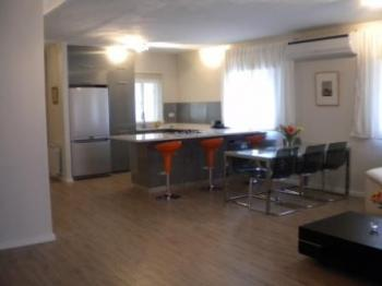 3br - Beautiful apt in Abu Tor Fully Furnished, High Standard Balcony+ view!