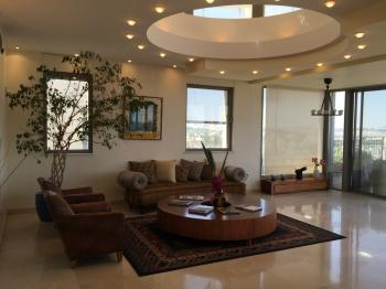 4br - Beautiful Penthouse in Caspi, Fully Furnished, Renovated Old City View