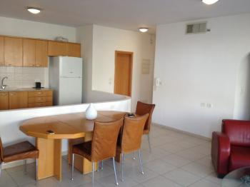 1br - Beautiful Studio APT in Arnona, Fully Furnished, AC, Garden Private Entrance