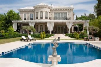 A World Class Luxury residence 5500 sqm plot
