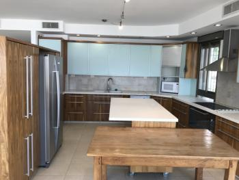 5br - Great APT in Abu Tor, Renovated, AC, View, Balcony and Parking
