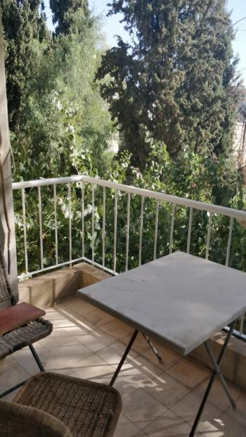 THE TAMAR - CHARMING GARDEN APT ● GREAT LOCATION ● GREAT DEAL