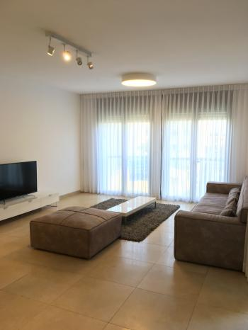 Luxury 4 rooms apartment in city center view of the Old city