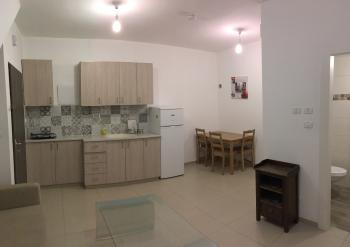 Very beautiful Studio apartment on the 19th with stunning view