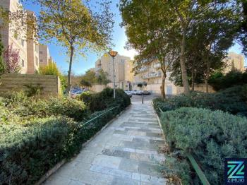 PRICE REDUCED - Penthouse at the edge of Bakka and the German colony