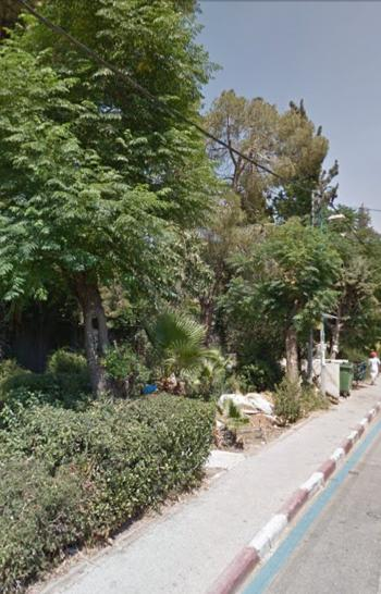 For sale in Kiryat Moshe in a quiet and green location