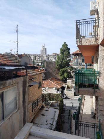 Apartment building for sale in Nachlaot-GREAT INVESTMENT