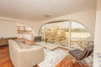 Apartments in the Jewish Quarter with a breathtaking view First line to the Kotel and Har Habait
