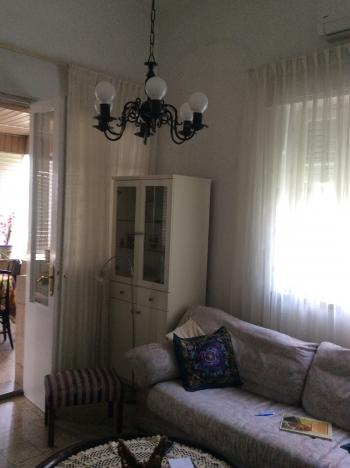 Beautiful 2.5 room house for rent with garden