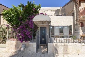 In Yemin Moshe!!! Large Private,Family Friendly Villa! 200 Sq. Meters