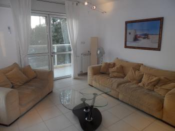 THE ANGEL - NICE NEW 3 BR, SPACIOUS BALCONY, CLOSE TO GERMAN COLONY