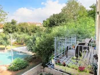 garden apartment in a Templar house on a quiet st in the heart of the German colony