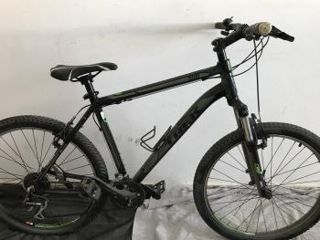 new condition trek 3900 model. Bike bicycle