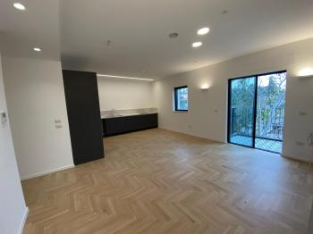CITY CENTER, wonderful and spacious apartment for rent, 4 rooms 2 bathrooms, elevator, views, great