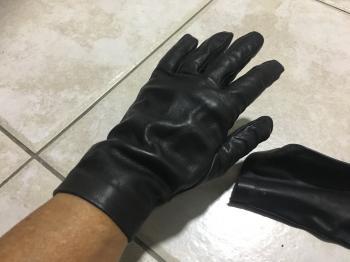 original black leather gloves