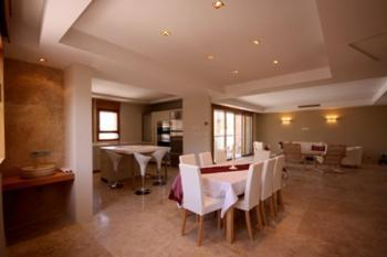 King david  luxury 6 br  Jerusalem apartment rental!  in the king David's crown complex,1 min walk