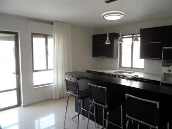 THE MAYFLOWER - NEW MODERN 3 BR IN CITY CENTER