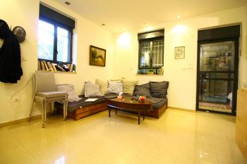 Amazing 3 Room Garden Apartment for Sale in Rechavia