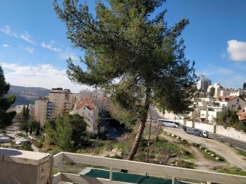 Huge 4 rooms in David Meretz, Ramat Sharet