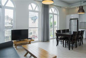 THE SAPPHIRE - ELEGANT RENOVATED 2 BR near CITY CENTER