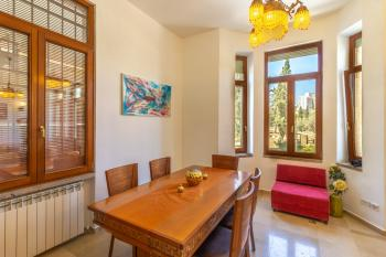 luxury apartment in mamilla for Pesach