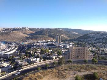 4 Sunny Pleasant Rooms in Holyland