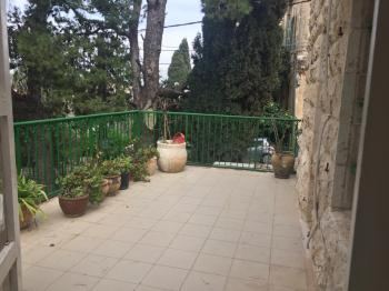 Apartment on Aminadav St, Abu Tor ....minutes from First Station and Yemin Moshe