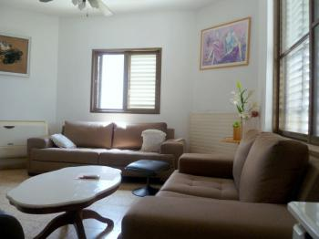 3 room apartment in Shlomo HaMelech- Netanya, a minute from the sea, excellent location.