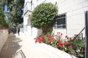 SPACIOUS GARDEN APARTMENT FOR SALE IN OLD KATAMON