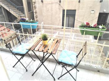Studio for Vacation in Nachlaot w/balcony for Succah