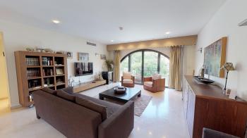 Luxury apartment - David's Village , Mamilla