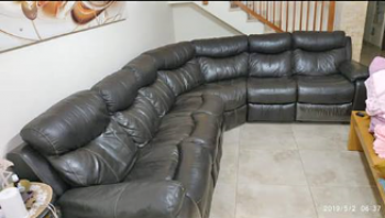 price dropped: Gorgeous and huge couch, good quality real leather, with recliners