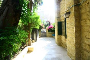 Beautiful 3 Room Apartment For Sale In Shaarei Chesed - Rehavia!