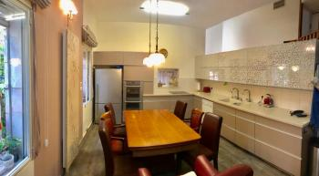 A luxurious cottage in the heart of Old Katamon