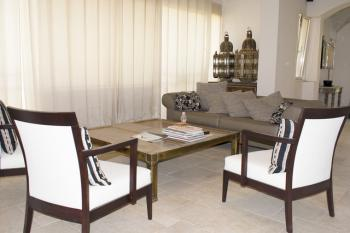 Beautiful garden apartment for sale Greek Colony