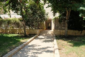 Beautiful 5 Room Cottage for Sale in Ramot Gimmel  - Ha-Haavara Street