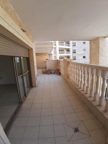 4 room apartment for sale in Mishkenot Ha'uma