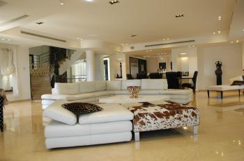 Luxurious villa for sale in the desirable Malcha neighborhood!