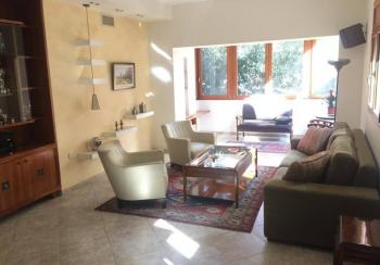 AMAZING apartment, Bright , 140SQM, Central location!!!