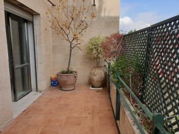 For Sale in Jerusalem 3.5 Rooms in Old Katamon
