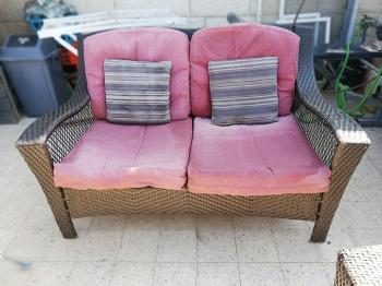 FREESWAP Outdoor Couch, Chair and table