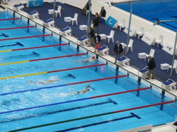 Israeli Paralympic swimmer breaks world record by 6 seconds