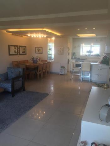 BEAUTIFUL RAMAT SHARET APARTMENT