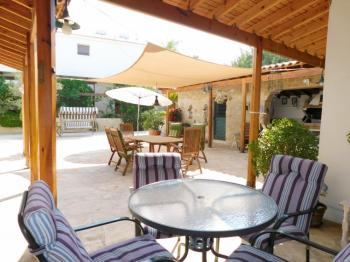 FOR SALE � 3 Bedroom Bungalow+ 2 x 1 Bedroom Apartments � Mesa Chorio,Paphos