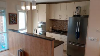 Kosher vacation apartment - furnished 3 bedroom