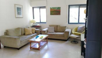 RENOVATED BRIGHT AND SPACIOUS ON YORDEI HASIRA ST