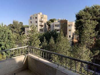 Amazing apartment for immediate rent to group of 5
