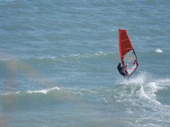 Israeli windsurfer wins silver at world championship